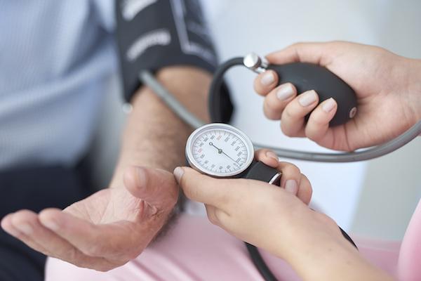 magas vérnyomás a vizeletben a magas vérnyomás szívnyomás