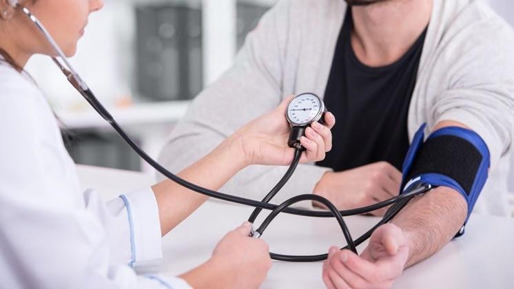 magas vérnyomás-roham elleni gyógyszer kinek milyen tünetei vannak a magas vérnyomásban