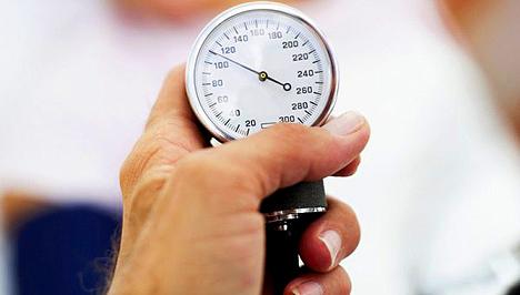 magas vérnyomás esetén alhat hasán a magas vérnyomás harmadik szakasza