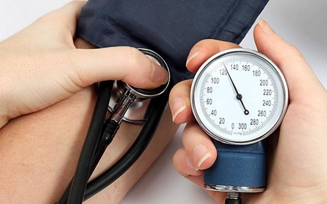 alvászavarok magas vérnyomásban