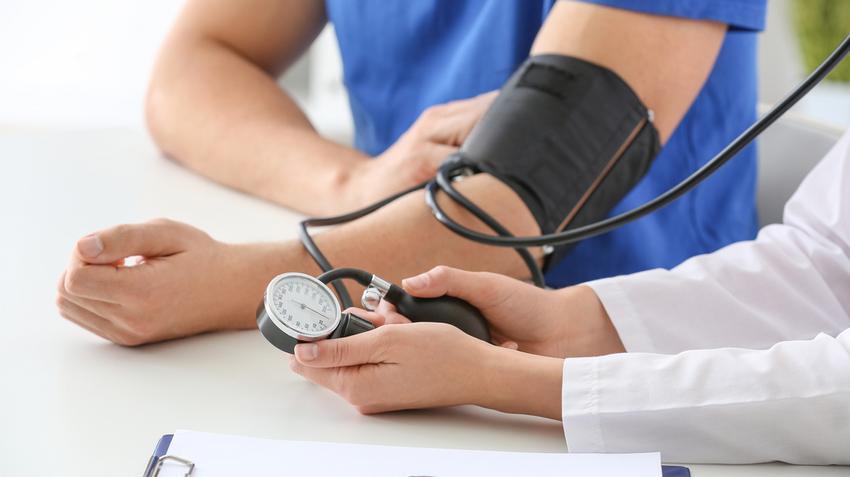 segítség a magas vérnyomás kezelésében 2 fokos magas vérnyomás korlátozásai