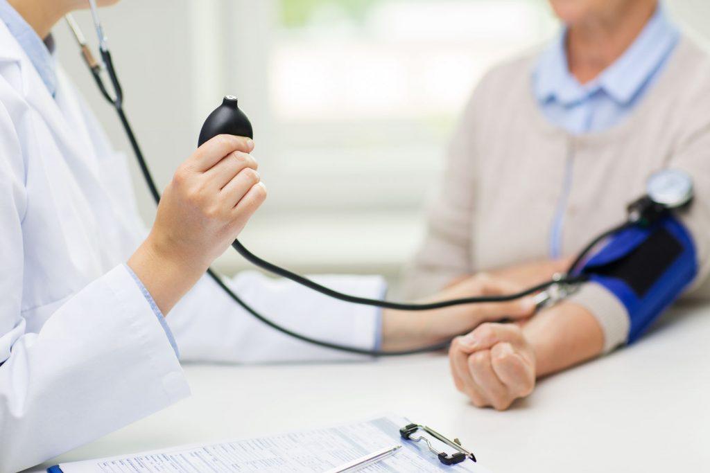 típusú magas vérnyomás vesebél és vaszkuláris
