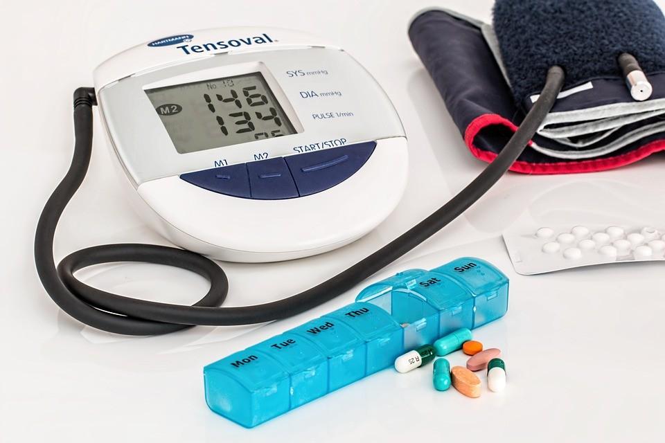 ritmikus hipertónia a magas vérnyomás panziójának kezelése