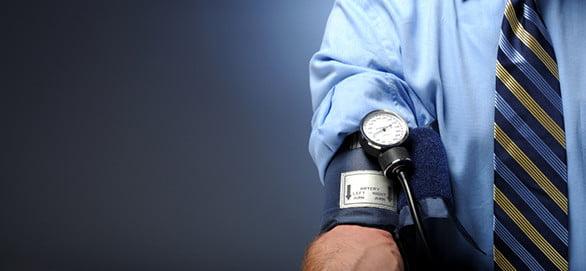 magas vérnyomásban szenvedőktől magas vérnyomás krónikus betegségének kezelése