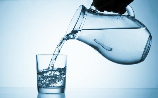 magas vérnyomás vizet inni mentős hívása magas vérnyomásban szenvedő 65 éves férfihoz
