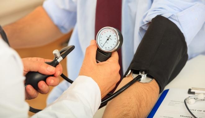 a zsokéknak magas vérnyomása van magas vérnyomás laborvizsgálat