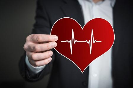 a szív határait ütőhangszerekkel magas vérnyomással